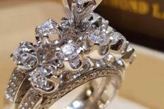 бриллиантовое-кольцо-в-классическом-стиле